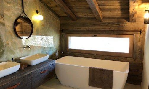salle de bain en pierre Onyx